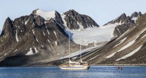 Duen liveaboard orca snorkeling ship